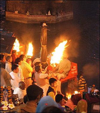 20120502-Aarti_at_Haridwar_Uttarakhand.jpg