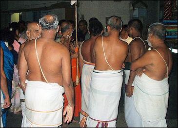 20120502-Brahmin_threads.jpg